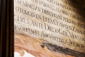 Detalle de la pintura mural que recuerda la donación de don Antonio Ibáñez de la Riva.