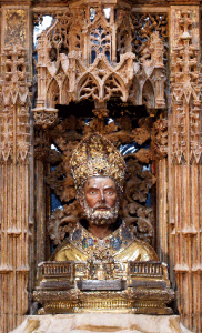 Busto de san Valero, procedente de La Seo, de finales del siglo XIV. Regalo y representación de Benedicto XIII, a excepción de su nariz.